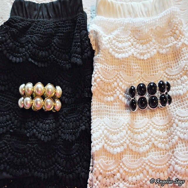 Blogger Angelus Says: BLACK OR WHITE? Vol. 1 (What do you prefer?) Brand: PIMKIE @Pimkie. My BLOG here - http://angelussays.blogspot.it/ - On the side you can choose your language. #angelussays #blogger #musthave #tendenza #moda #style #mood #fashionblog #fashionista #shopping #outfit #collection #brand #trendy #trend #fashion #collezione #blog #post #ootd #shorts #crochet #pantaloncini #pizzo #pimkie #blackwhite #pearl #bracelet #pants #short #bw #look #lookoftheday #lookbook #detail #mode
