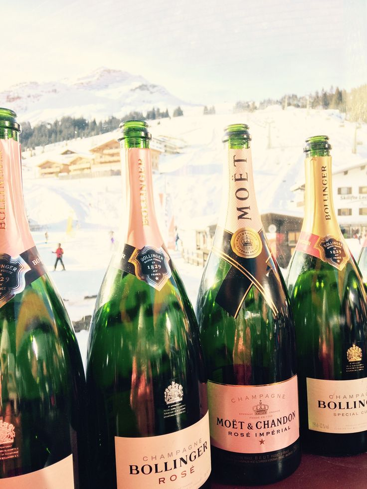 Eisbar des Romantik Hotel Krone von Lech Die Eisbar des Hotels Krone in Lech am Arlberg ist unser Hot Spot für stilvollen Après-Ski. The Ice Bar of Hotel Krone in Lech am Arlberg is our hot spot for high end…