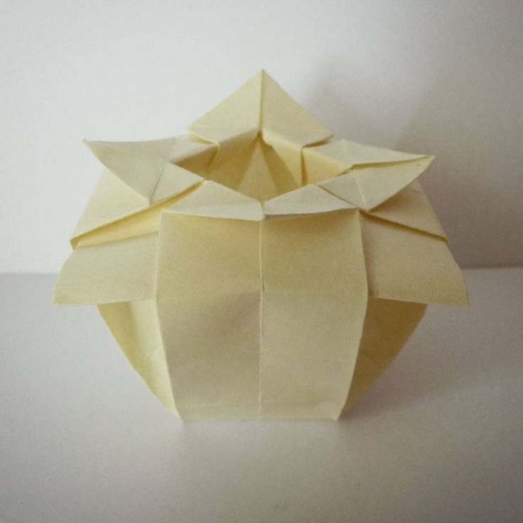 July 2nd 2015 Origami vase I made. Paper size: 15x15cm ... - photo#49