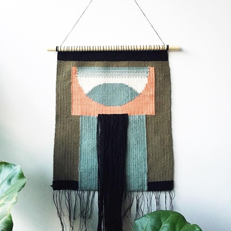 I need to do more markets which (sadly lol) motivates me to finally finish projects I have put aside. Poor guy has been sitting on the sideline waiting to be hung... this one has been done for a longgggg time but I had been slacking on putting it on a dowel. #lifehappens . . . . #weaving #weaversofinstagram #tapestryweaving #tapestry #wovenwallhanging #wallhanging #textiles #handmade #torontolocal #torontohandmade #toronto