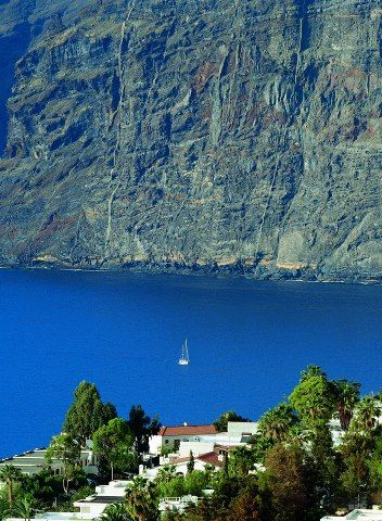 Bury your troubles within the imposing cliffs of Los Gigantes and have the most relaxing break of your life. See out website for more travel information: http://www.where2holiday.com/destination/los-gigantes
