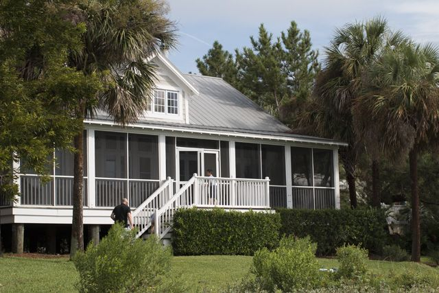 The Cottages On Charleston Harbor A Great Place For Families Cottage Great Places House Styles