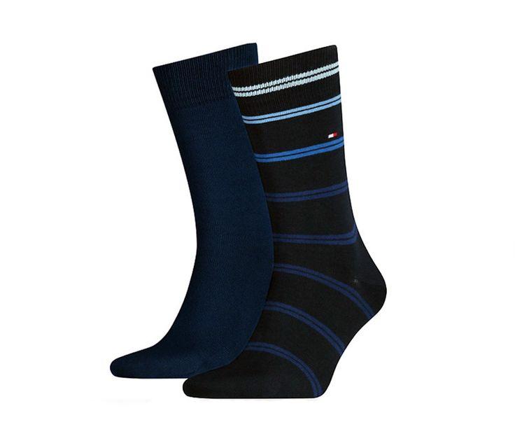RENUEVA TUS CALCETINES Pack de 2 calcetines combinados Tommy a rayas azul y liso en azul marino por sólo 13.95€. ENVÍO 24/48h. Más modelos en http://www.varelaintimo.com/93-calcetines-de-algodon