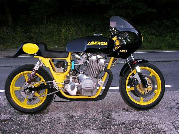 Laverda 1200. Looks so small, it could be a Montjuic. Just looks loverly....