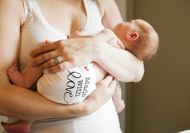 Made with Love g Diapers La nouvelle couche lavable bébé de gDiapers. C'est une série limitée classe avec sa couleur blanche et sa sérigraphie noire. Chez Lilinappy, on est super fan.  http://www.lilinappy.fr/culotte-little-gpants-gdiapers-made-with-love.html