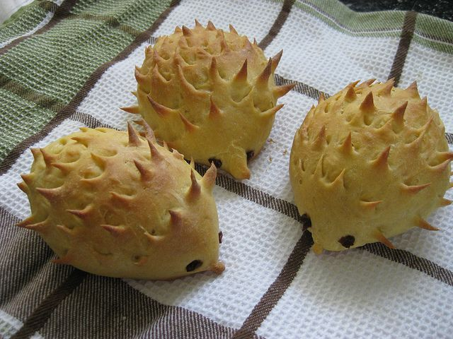 Hedgehog Bread (you cann make also chocolate bread and steam it)