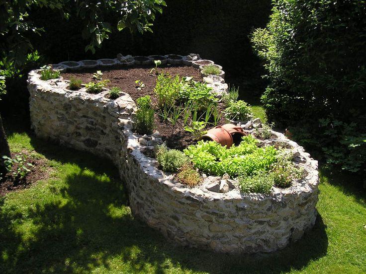 Hochbeet aus Stein                                                                                                                                                                                 Mehr
