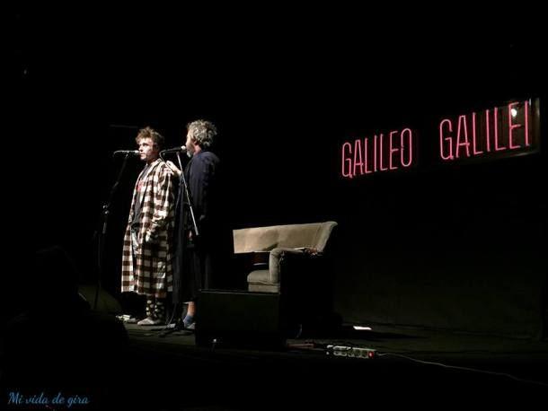 Risas y canciones con Los Gandules en casa Galileo