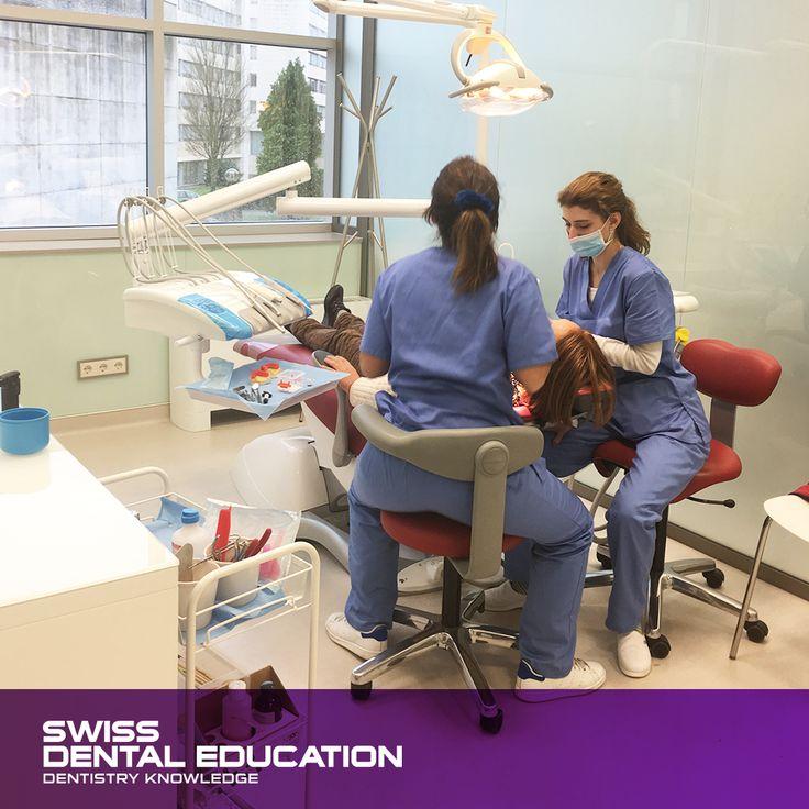 A nossa equipa de especialistas dentários é uma referência na área da Implantologia Dentária. www.swissdental-education.com#SDEducation