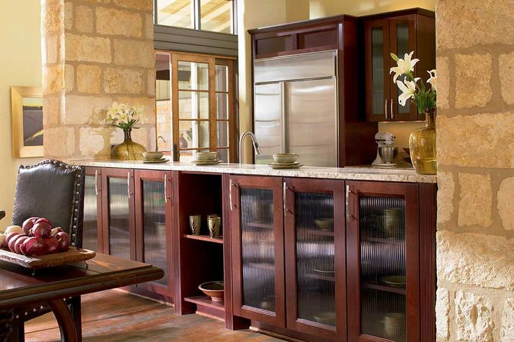 clean kitchen cabinets waypoint living spaces style 420t in cherry bordeaux 13607