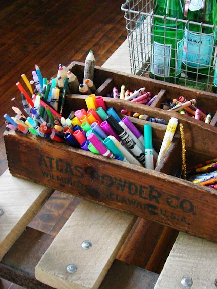 something to store art supplies: Crafts Rooms, Art Organizations, Crafts Storage, Colors Pencil Storage, Crayons Storage, Storage Ideas, Playrooms Art, Easy Drawings, Supplies Storage