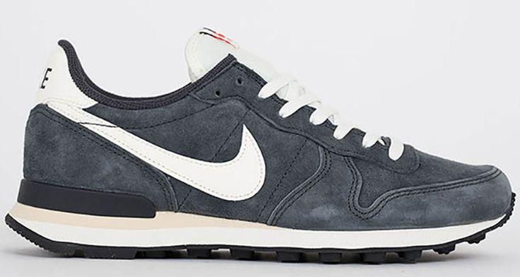 Nike Internationalist Grey/White Available Now