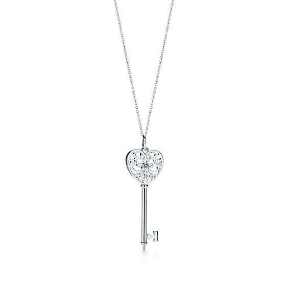 Pendente chiave a cuore Tiffany Enchant® in argento con zaffiro del Montana.
