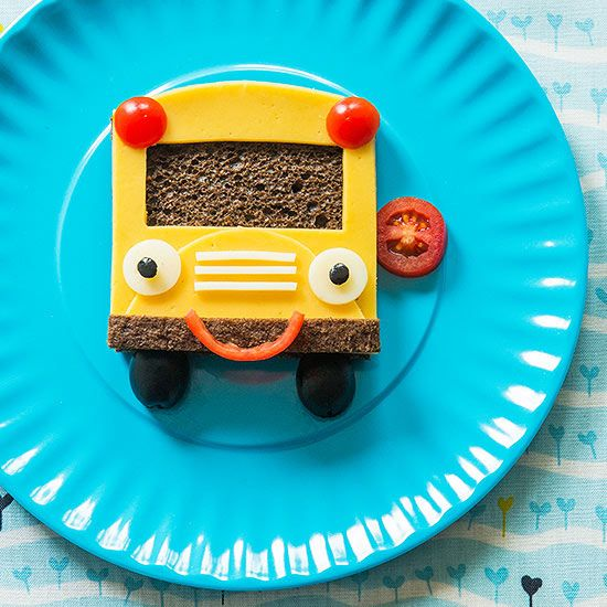 Too cute! Park this friendly school bus sandwich in front of your child to celebrate the start of the new school year.