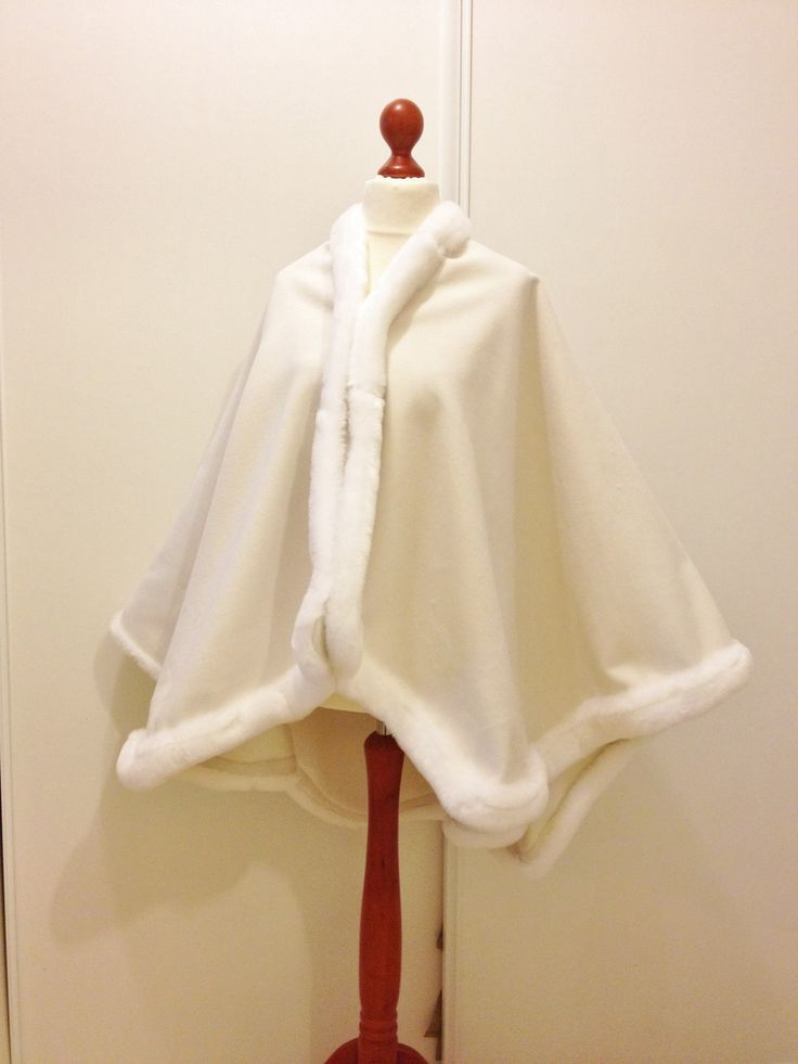 """Grande cape femme laine blanche bordée fourrure """"chicallure"""" : Manteau, Blouson, veste par chicallure"""