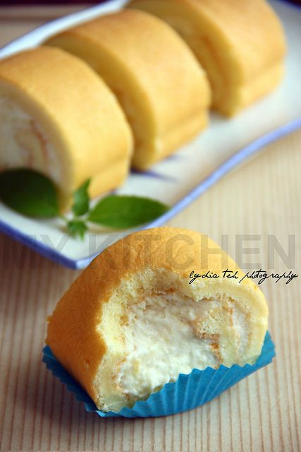 My Kitchen: Durian Rolled Cake [Never Get Enough!]
