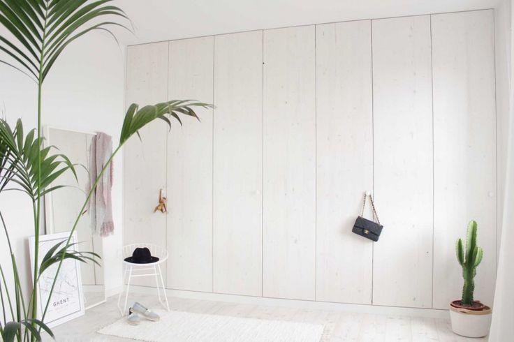 kleerkast-diy-wit - Ikea basis met op maat gemaakte deuren
