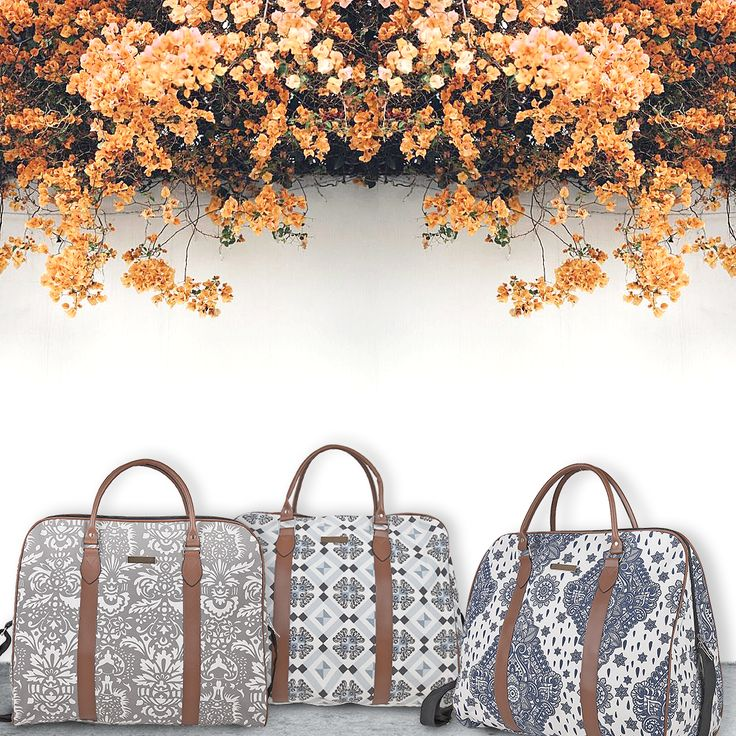 Get ready for a weekend getaway with a beautiful light weekender! #weekend #bag #weekender #trip #travel #style #stylish #achilleas_accessories