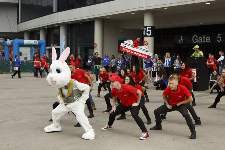 Easter footy flashmob from North Melbourne Vs Collingwood AFL game on 31 March 2013