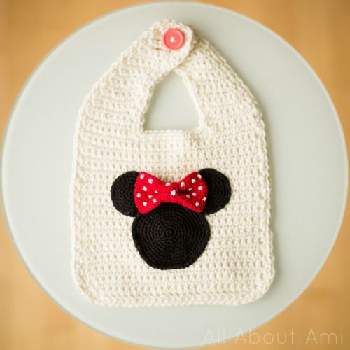 Crocheted Minnie Mouse basic bib