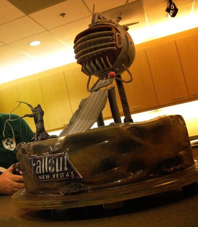 Fallout New Vegas Cake. Ed-E