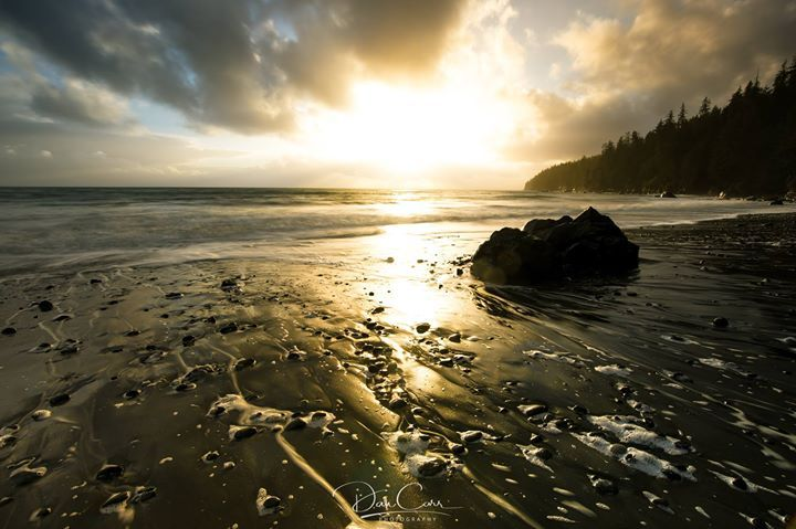 It's that time of year in British Columbia where it just rains every day so I wanted to edit a nice warm photo from the summer. Mystic Beach Vancouver Island.