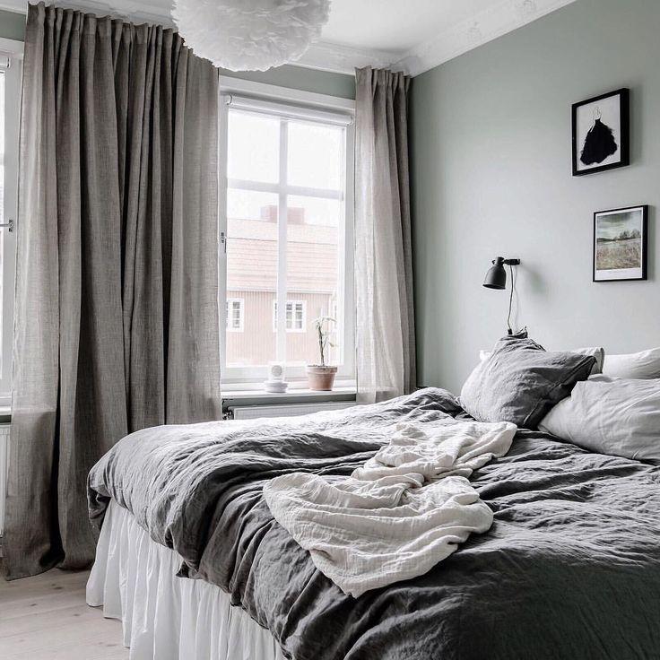 @rebeckagylleblad  Vi har spikat den grågröna färgen i kommande sovrum också  #sovrum #inspiration #finahem #vårthemengångitiden #vintage #bagaregården #fotografanders #femtiofemkvadrat #myikealamp