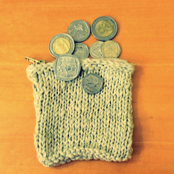 This cute little zip bag is perfect for keeping your money safe. Hand knitted with bamboo and cotton yarn.