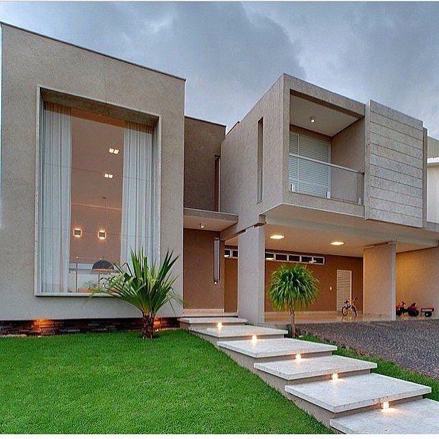 Os vidros valorizam um visual clean, moderno e todo o projeto arquitetônico...  Veja mais detalhes em http://www.corrimao-inox.com