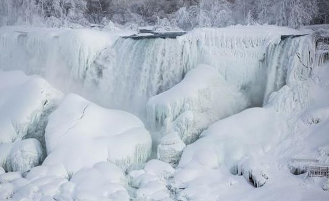 Niagara Falls Frozen: Amazing Pictures Show Waterfall Draped In Sheets Of Solid Ice