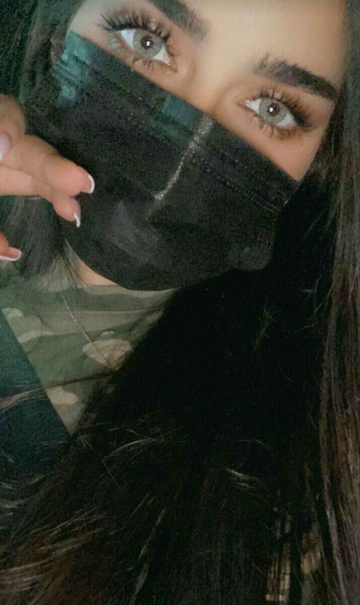 لا اناس ب إلا نفسي 𝙸 𝙳𝙾 𝙽𝙾𝚃 𝙵𝙸𝚃 𝙱𝚄𝚃 𝙼𝚈𝚂𝙴𝙻𝙵 Girl Hiding Face Cool Girl Pictures Cute Girl Face