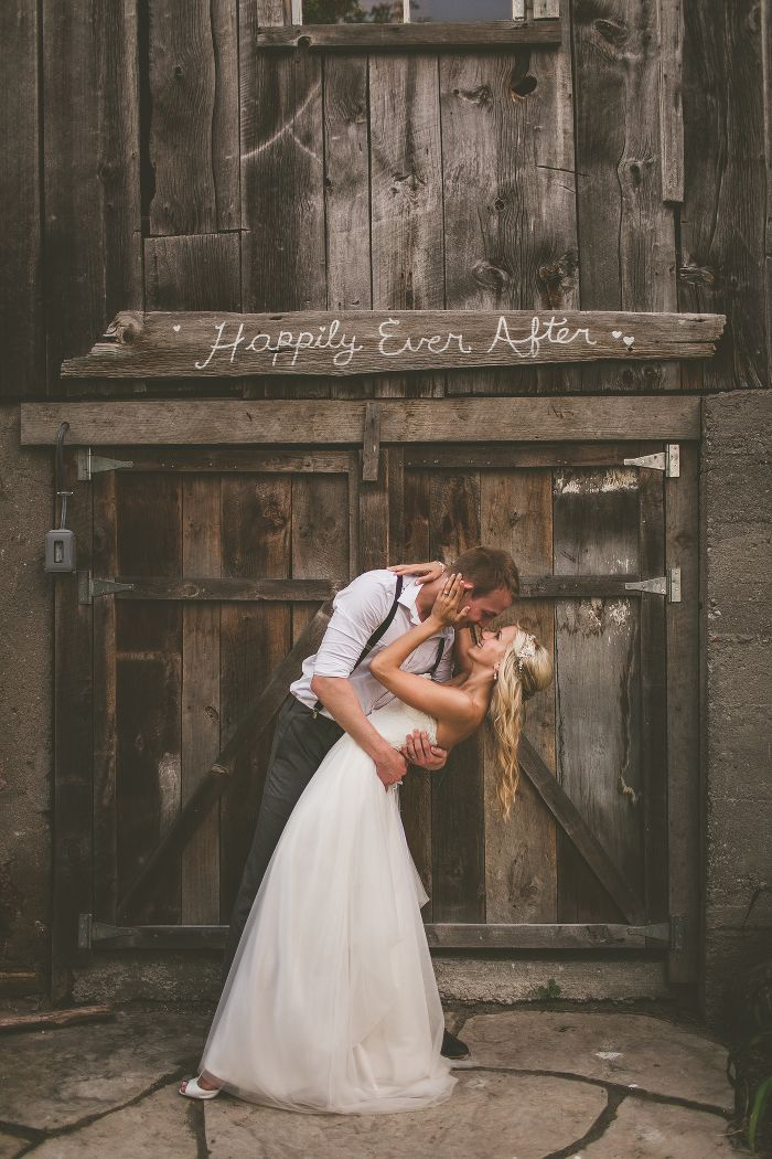 century barn wedding photos, century barn wedding ontario, century barn weddings peterborough, peterborough wedding photographers, ontario rustic wedding venues