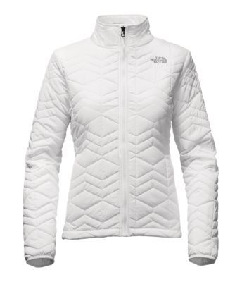 Choosing the right mid-layer means staying out on the hill longer, and this alpine jacket features (100 g) insulation to keep you warmer in cool-to-cold conditions. When worn as a standalone jacket, the water-resistant exterior sheds light moisture.