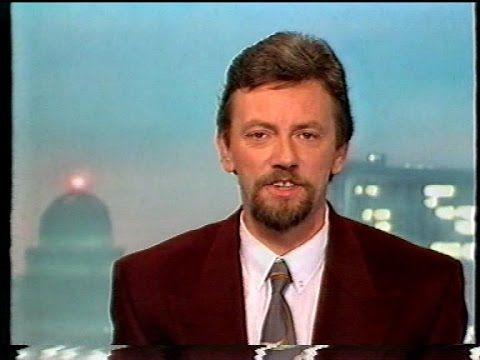 Hoe het nieuws vroeger gepresenteerd werd 😀 wel tof om eens te vergelijken 891103 - VTM Nieuws [Danny Huwé & Jan Dewijngaert] (3 november 1989)