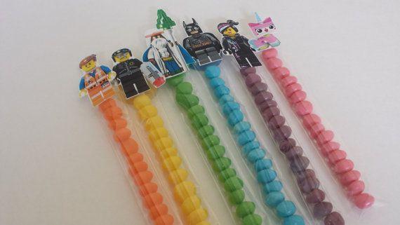LEGO sur le thème anniversaire Party Favors-LEGO film, Batman, Vengeurs, superhéros et ville anniversaire faveurs - Set de 12