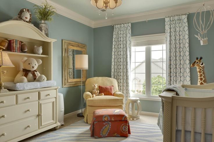 Teddy bear theme nursery.  Love the color scheme!