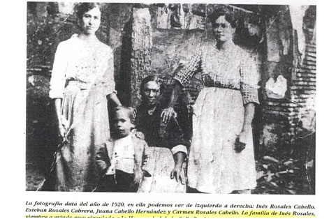 1920. On the left Ines Rosales Cabello