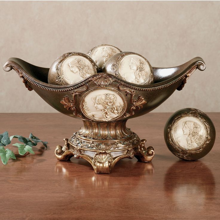 Rossella Cameo Centerpiece Bowl with Orbs