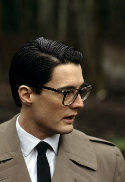 We're introducing BLOC CLUB, an online space to discuss new works, cult classics, bygone TV more We'll be catching TWIN PEAKS in August (might include some ogling at Kyle Maclachlan) http://thewritersbloc.net/Bloc-Club
