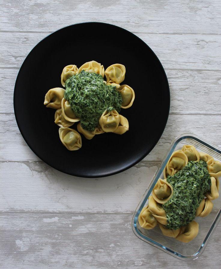 Wochenplanung: vegetarisches Rezept für Tortellini mit Spinat-Käse-Sauce