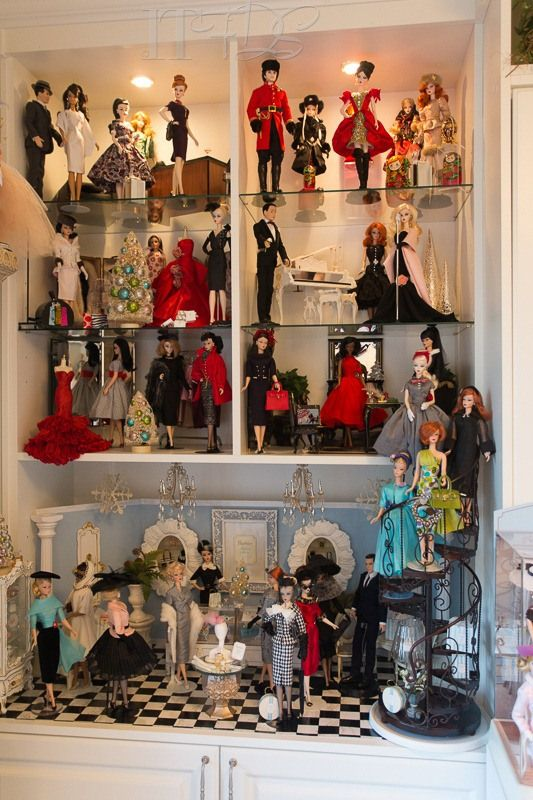 121 best Doll collection display images on Pinterest | Doll ...