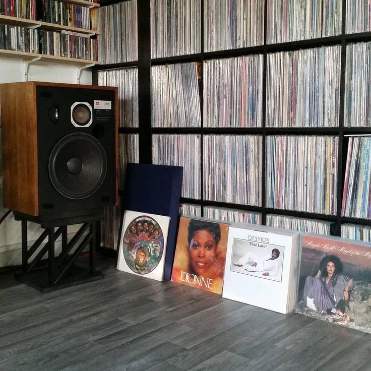 "318 Likes, 6 Comments - Oldschool (@oldschoolspirit) on Instagram: ""#records #vinylcollection #vinyladdict #vinyljunkie #vintagehifi #speakers #hifi #stereo #33t…"""