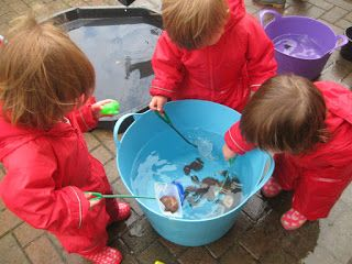 Water Play: Floating, Sinking and....Fishing:-) | Pre-school Play