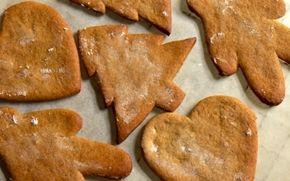 Svenske pepparkakor Find kageformene og dit indre barn frem og bag et par plader peberkager.