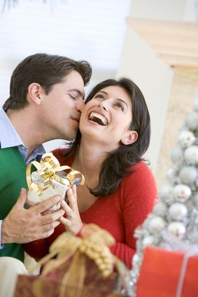 How To Choose The Best Christmas Gifts For Wife? Wondering what are the best Christmas gifts for wife 2013? We're here to help by offering you the best Christmas gift ideas for your wife.