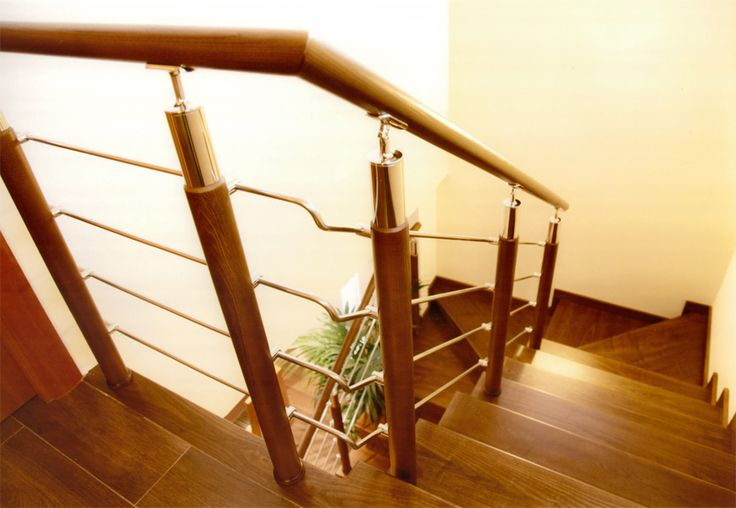 TORNEADOS FUENTESPALDA / Barandillas y escaleras de madera, forja, hierro, acero inoxidable y cristal   » BARANDILLAS DE MADERA Y ACERO INOXIDABLE