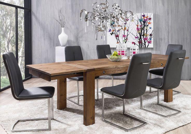Hochwertige Wildeiche Vintage brown oiled hat HABUFA für den Ausziehtisch Jan verarbeitet und verleiht dem hochwertigen Tisch auf diese Weise einen besonders eleganten und klassischen Look.Praktisch sind außerdem die zwei Klappeinlagen, mit denen sich der Tisch auf ca. 280 x 100 cm zu einer langen Tafel ausizehen lässt - so haben Sie immer genug Platz für ein unvergessliches Dinner mit Freunden und der Familie.Ohne Dekoration.