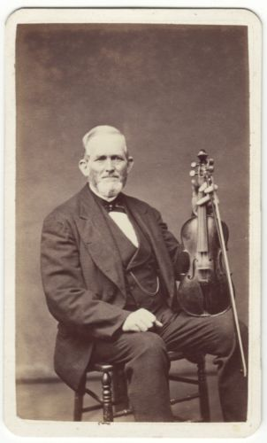 CDV-portrait-ELDERLY-MAN-with-a-VIOLIN-in-BOSTON-MASSACHUSETTS
