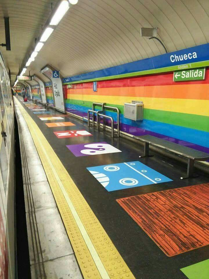 Metro de Madrid Gay Pride - Orgullo Gay