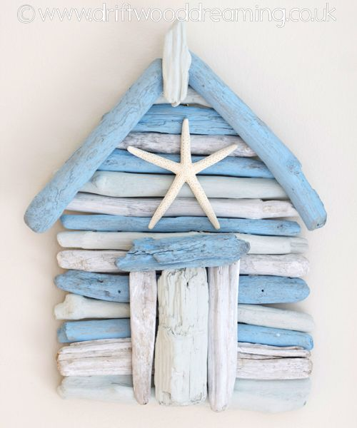 Driftwood beach hut to hang on the wall. Browse driftwood crafts on Completely Coastal: http://www.completely-coastal.com/search/label/Driftwood%20Crafts